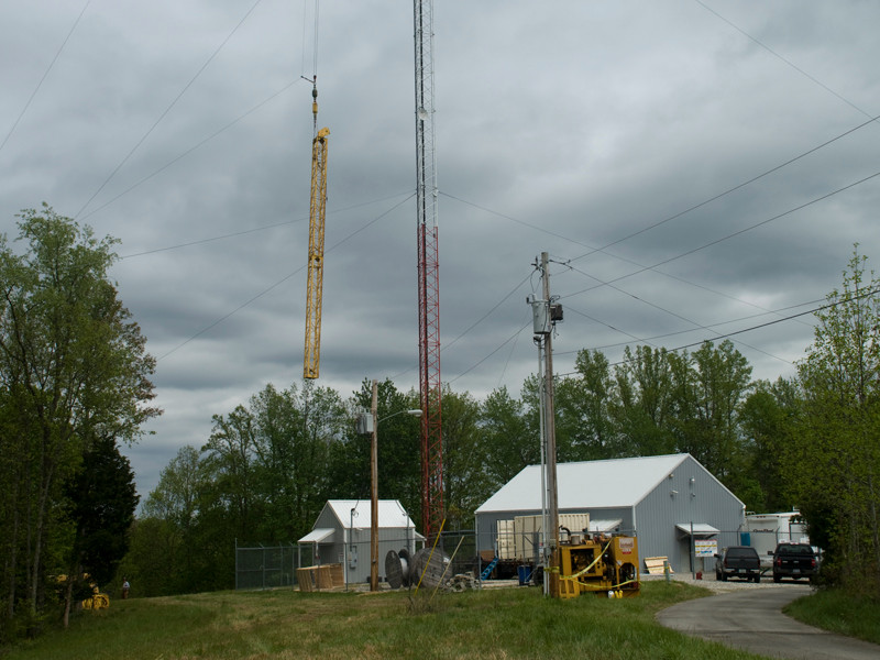Top of lift pole going up the tower
