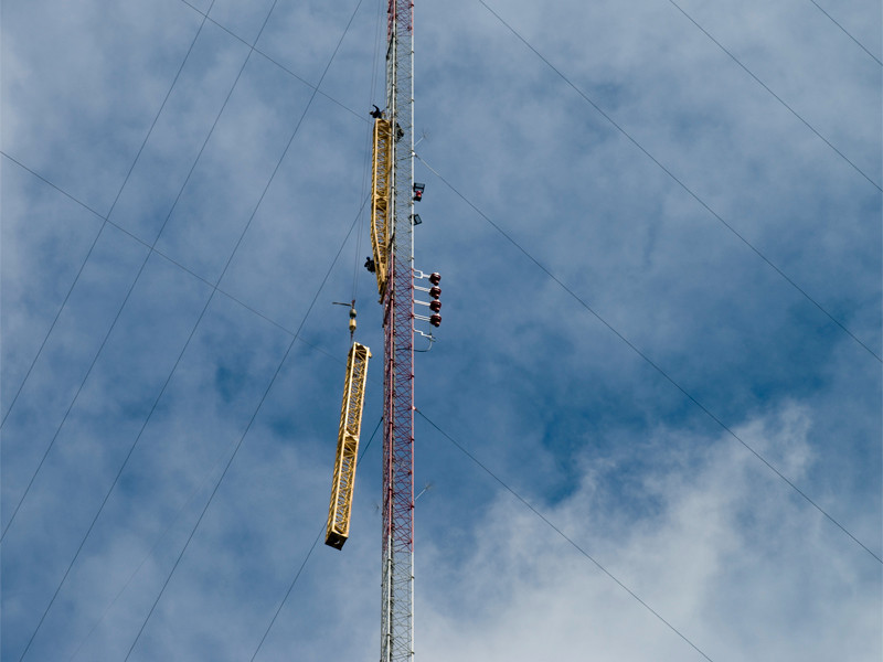 rigging the lift pole on the tower